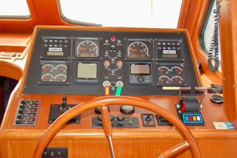 LYDIA 'M' 2 LYDIA 'M' 2000 KHA SHING Trader 535 Sunliner Motor Yacht Yacht MLS #254134 2