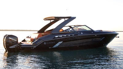 NEW 2019 Cruisers 338 South Beach Bowrider  0 Boss Profile