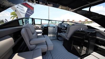 NEW 2019 Cruisers 338 South Beach Bowrider  7 2019 Cruisers 338