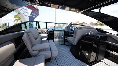 NEW 2019 Cruisers 338 South Beach Bowrider  9 2019 Cruisers 338