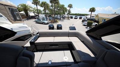 NEW 2019 Cruisers 338 South Beach Bowrider  20 2019 Cruisers 338