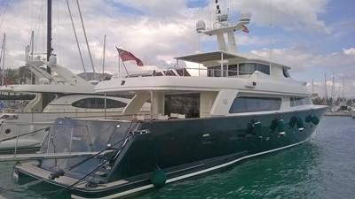 GIHRAMAR 6 GIHRAMAR 2001 CUSTOM LINE Navetta 30 Motor Yacht Yacht MLS #254423 6