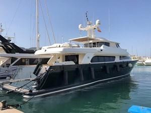 GIHRAMAR 7 GIHRAMAR 2001 FERRETTI CUSTOM LINE Navetta 30 Motor Yacht Yacht MLS #254423 7
