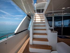 2016 Ocean Alexander 100 Skylounge Sea N Sea 7