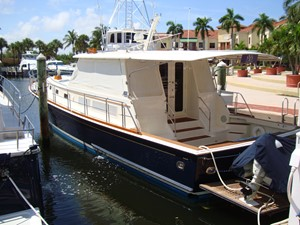 This 2006 54' Grand Banks Eastbay SX for Sale - SYS Yacht Sales
