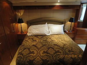 2002 60' Hatteras Convertible Master Stateroom
