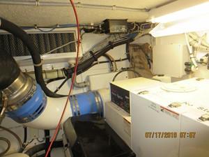 TRUE GRITS 70 2002 60' Hatteras Convertible Engine Room