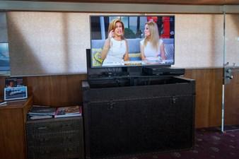 Television - Starboard salon