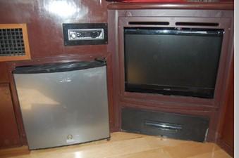 Salon mini Fridge, TV, Stereo, DVD