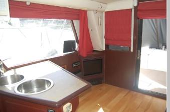 Salon starboard / aft
