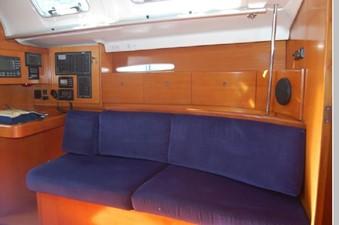 Salon settee, Navigation station