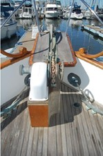 Electric windlass, bow pulpit