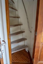 Enclosed Flybridge Stairs