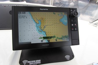Flybridge New Axiom Starboard Display