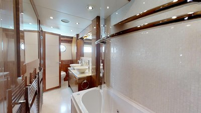 White-Pearl-34M-Sunseeker-Updated-04292019_164450