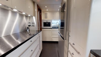 White-Pearl-34M-Sunseeker-Updated-04292019_164610