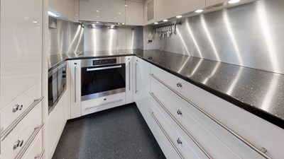 WHITE PEARL 26 White-Pearl-34M-Sunseeker-Updated-Kitchen