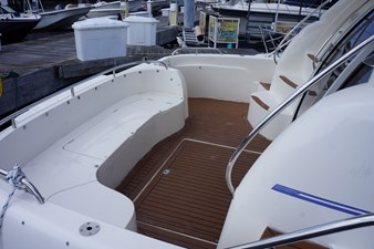 1998 Sealine F44 Flybridge Cruiser Motor Yacht aft cockpit