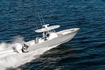 V-Series 33 3 V-Series 33 2022 VALHALLA BOATWORKS V-33  Boats Yacht MLS #256210 3