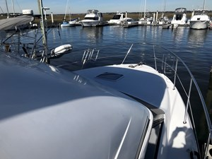 1998 Sea Ray 370 Aft Cabin bow