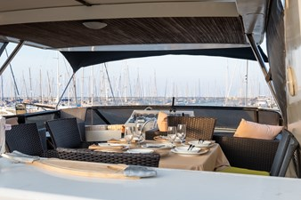 Guy Couach 2701 TIENNA - Flybridge Dining 2