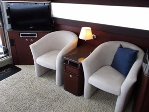 Salon Port Seating