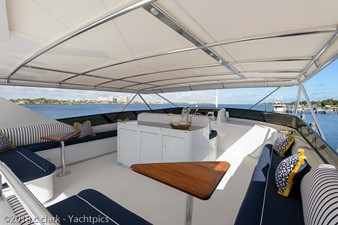 Flybridge Starboard Seating