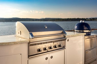 SCOUT II 28 Sun Deck BBQ and Egg Oven