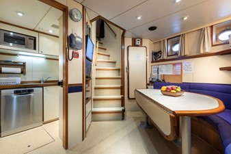 SCOUT II 36 Crew Mess