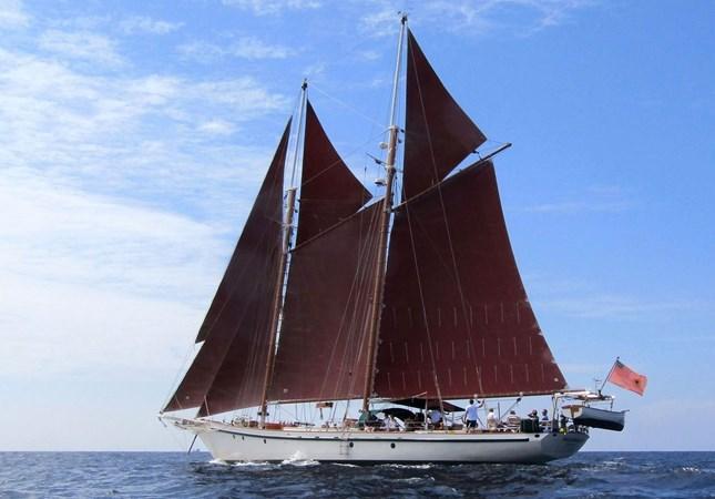 Portside full sail