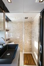 OKEAN 50X 37 Master Shower