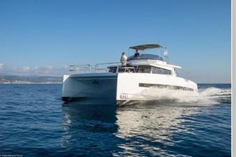 Bali 4.3 Motor Yacht 9