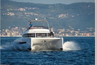 Bali 4.3 Motor Yacht 11