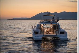 Bali 4.3 Motor Yacht 14