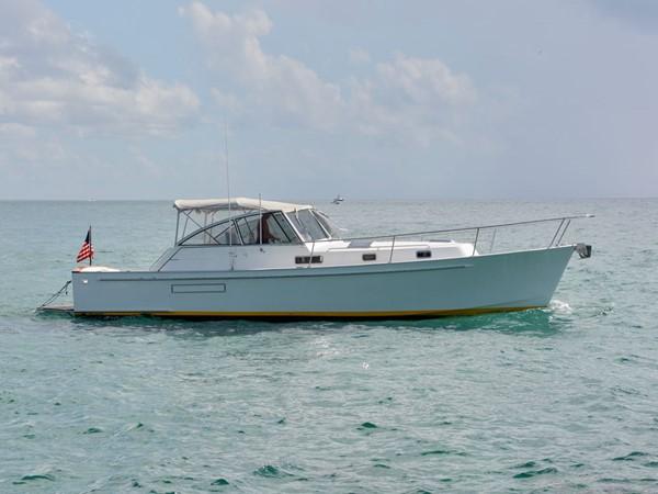 36' 1997 Freedom Yachts Legacy 40 Express SCHERZO