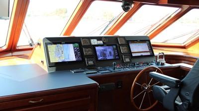2005 Conrad Shipyard Motor Yacht Helm