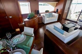 2009 85 Azimut Flybridge - Salon (3)