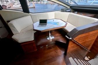 2009 85 Azimut Flybridge - Forward Dinette
