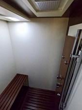 2009 85 Azimut Flybridge -Master Stateroom Head (1)