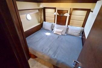 2009 85 Azimut Flybridge - Starboard Stateroom (1)