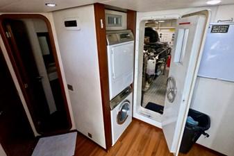 2009 85 Azimut Flybridge - Crew Quarters (1)