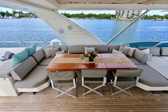 2009 85 Azimut Flybridge - Upper Dining and Lounge (2)