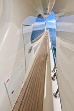 2009 85 Azimut Flybridge - Walk Deck