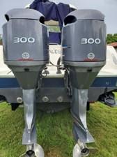 33' Hydra-Sports 3300-VX Vector Express 4