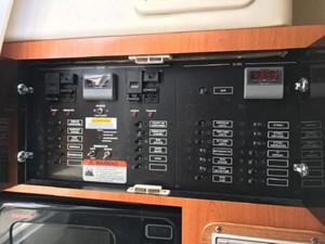 33' Hydra-Sports 3300-VX Vector Express 17