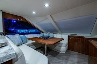 NEW Viking 82 Cockpit Motor Yacht 13 82 Viking_Dinette2