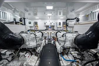 NEW Viking 82 Cockpit Motor Yacht 50 82 Viking_Engine Room2