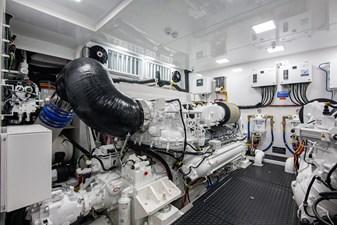 NEW Viking 82 Cockpit Motor Yacht 52 82 Viking_Engine Room4