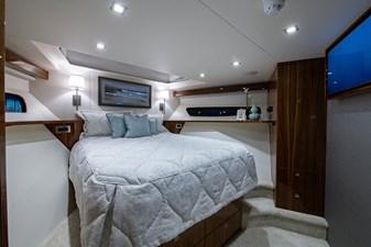 NEW Viking 82 Cockpit Motor Yacht 22 82 Viking_Forward Stateroom4