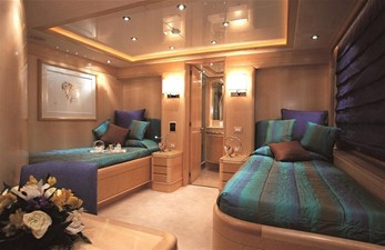 MORE 12 Twin Stateroom